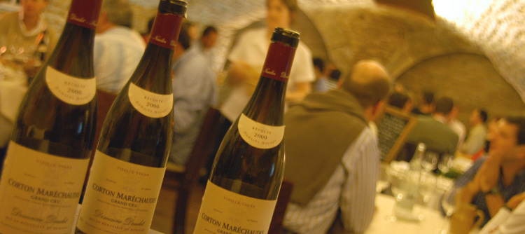 © BIVB / MONNIER H Tasting-lunches' in typical Burgundy restaurants