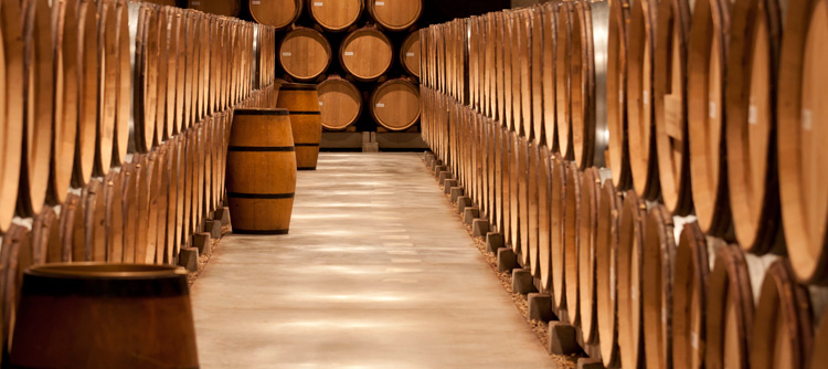 © BIVB / IBANEZ A. Barrel cellar in Bourgogne.