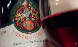 The Tastevinage is a guarantee of quality for Bourgogne wines ©BIVB/DR