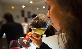 Your chance to sample some extra special wines with the École des Vins de Bourgogne ©BIVB/IBANEZ A.