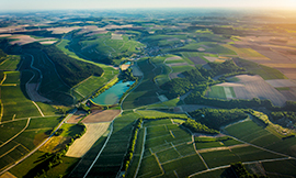 The Chablis winegrowing region like you've never seen it before!  ©BIVB/A. IBANEZ