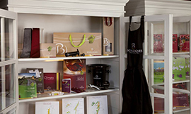 Are you looking to display your Bourgogne colors? A gift from the Boutique is the easy answer! ©BIVB/DR